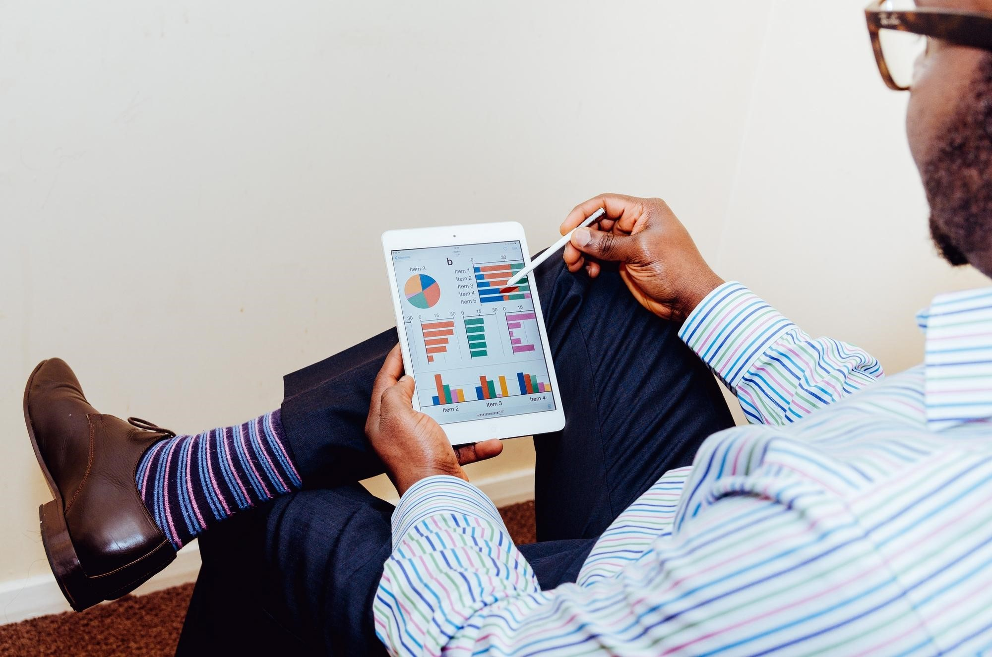 15 Essential Analytic Online Tools and Apps for Digital Marketers