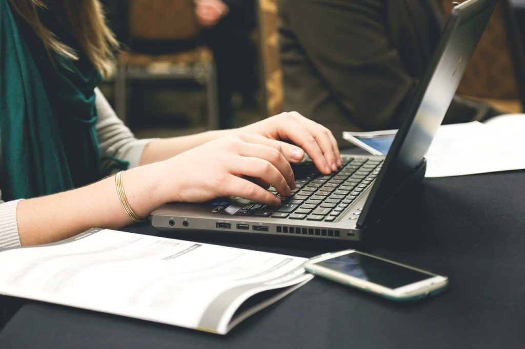 7 Blog Writing Hacks to Improve Conversions Through Your Website