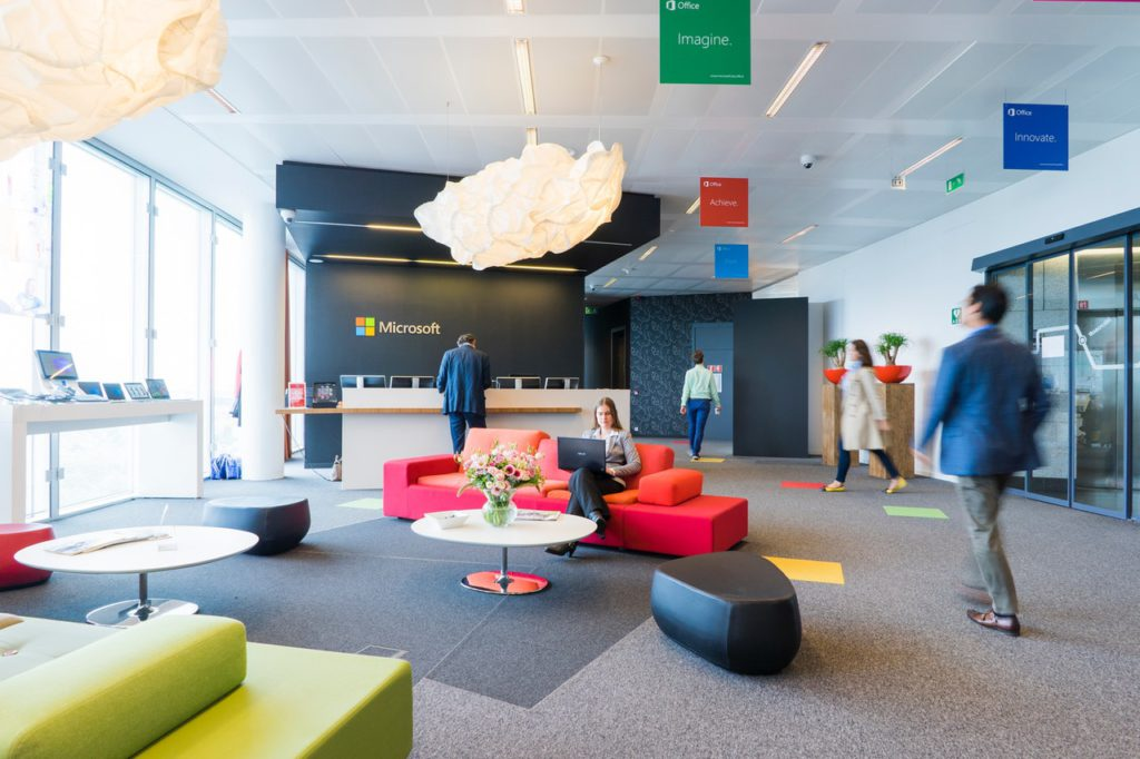 Revamp Your Office Waiting Area using digital accessories